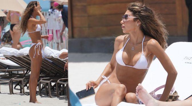 Chantel Jeffries – Beautiful Boobs in Small Bikini At the Beach in Miami Beach