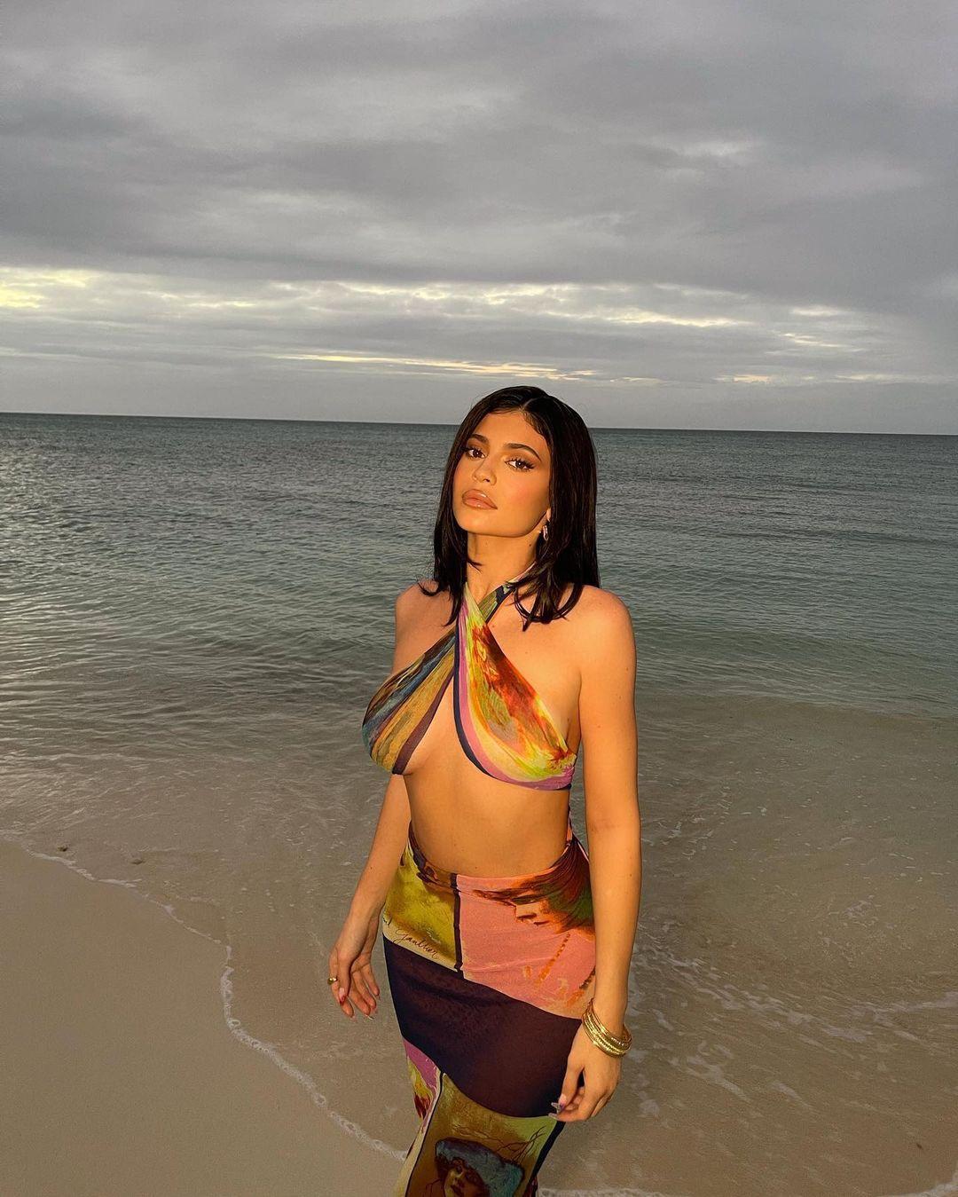 Kylie Jenner Sexy On Beach