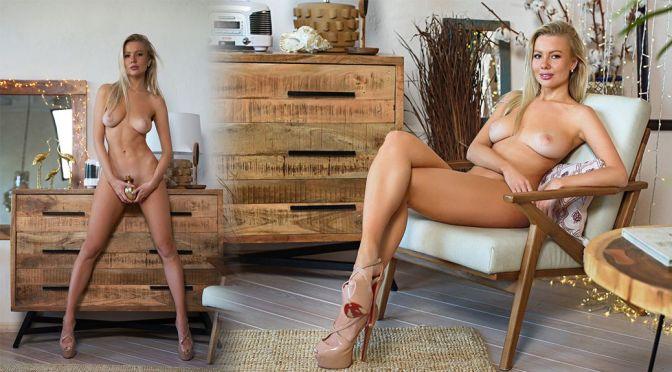 Maria Avtakhova – Gorgeous Boobs in a Beautiful Topless Photoshoot (NSFW)