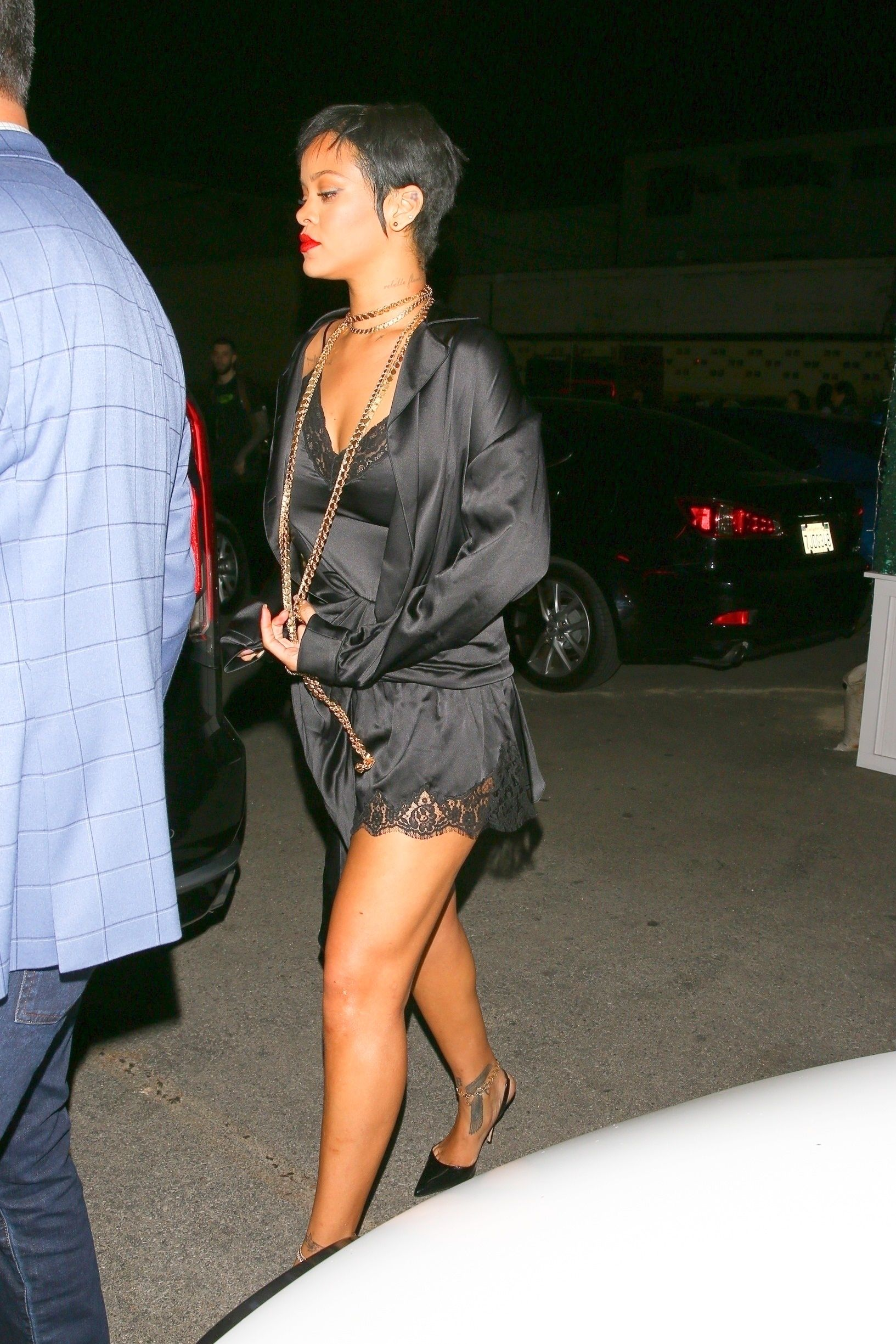 Rihanna Gorgeous In Sexy Outfit