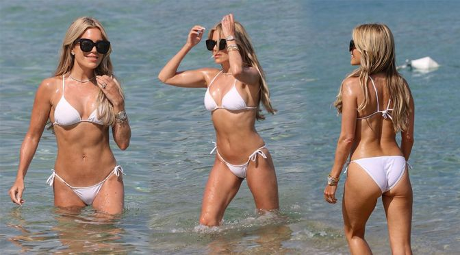 Sylvie Meis – Stunning Toned Body in Small Bikini on the Beach in Saint Tropez