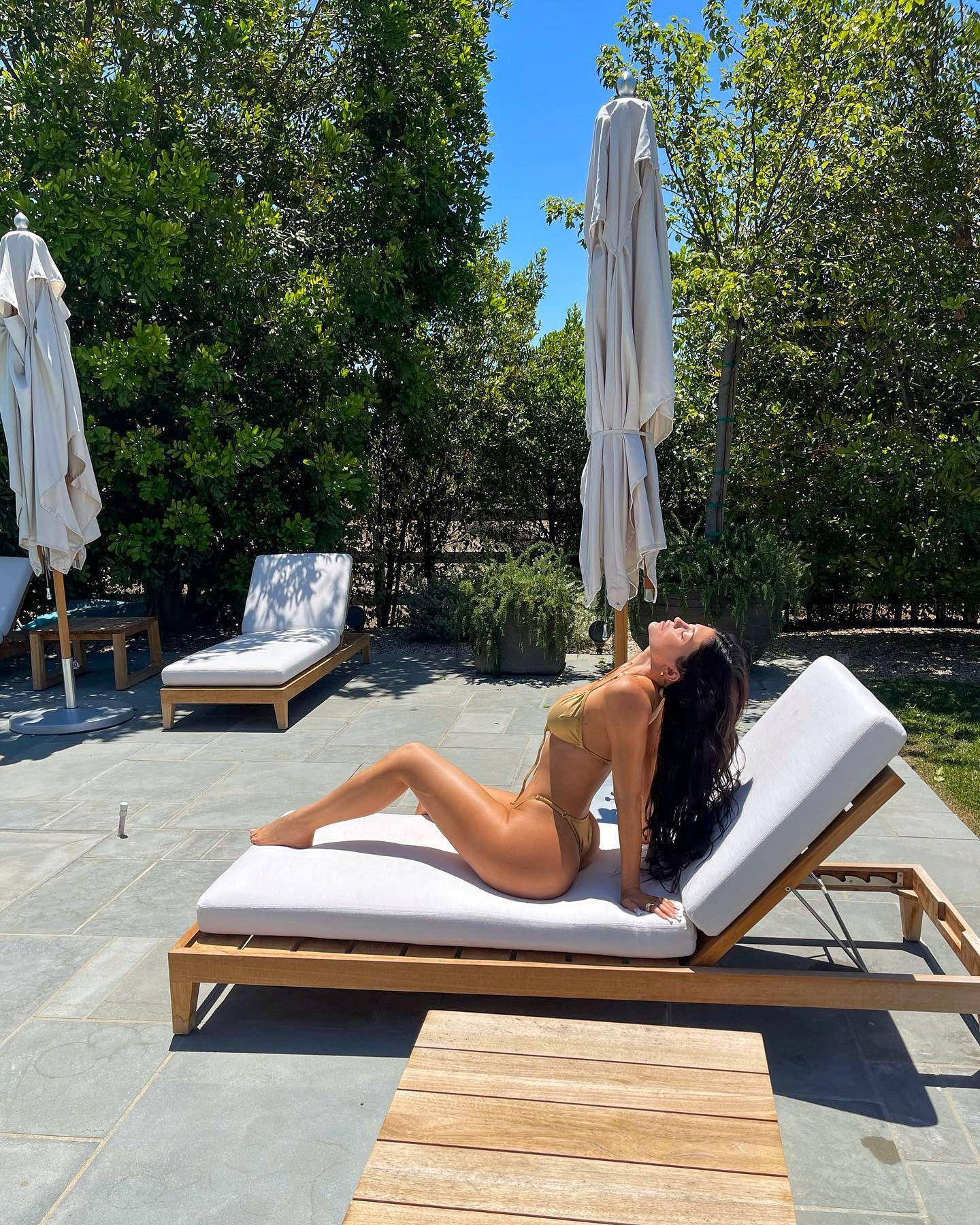 Kylie Jenner Boobs In Bikini