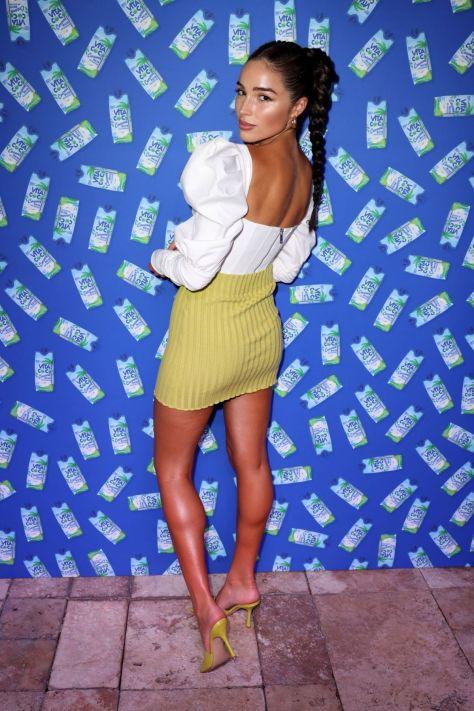Olivia Culpo Sexy Boobs And Legs