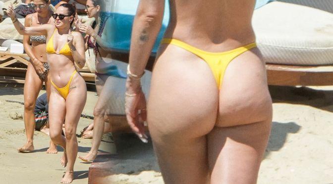 Rumer Willis – Beautiful Big Ass in a Thong BIkini on a Beach in Mykonos