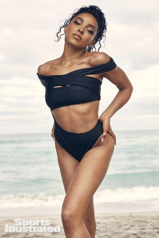 Tinashe Sexy In Swimwear