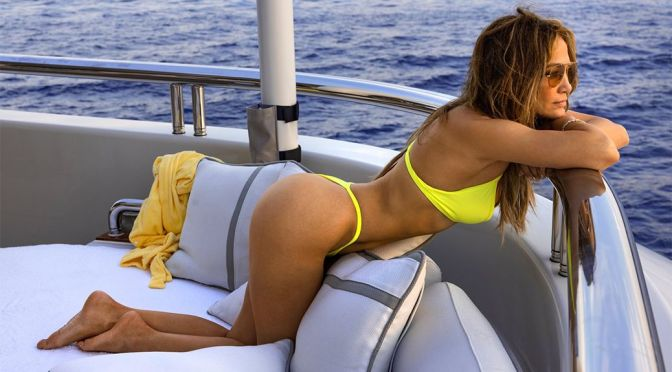 Jennifer Lopez's in Bikini and Other Celebrities in a Weekly Instagram/Twitter Roundup