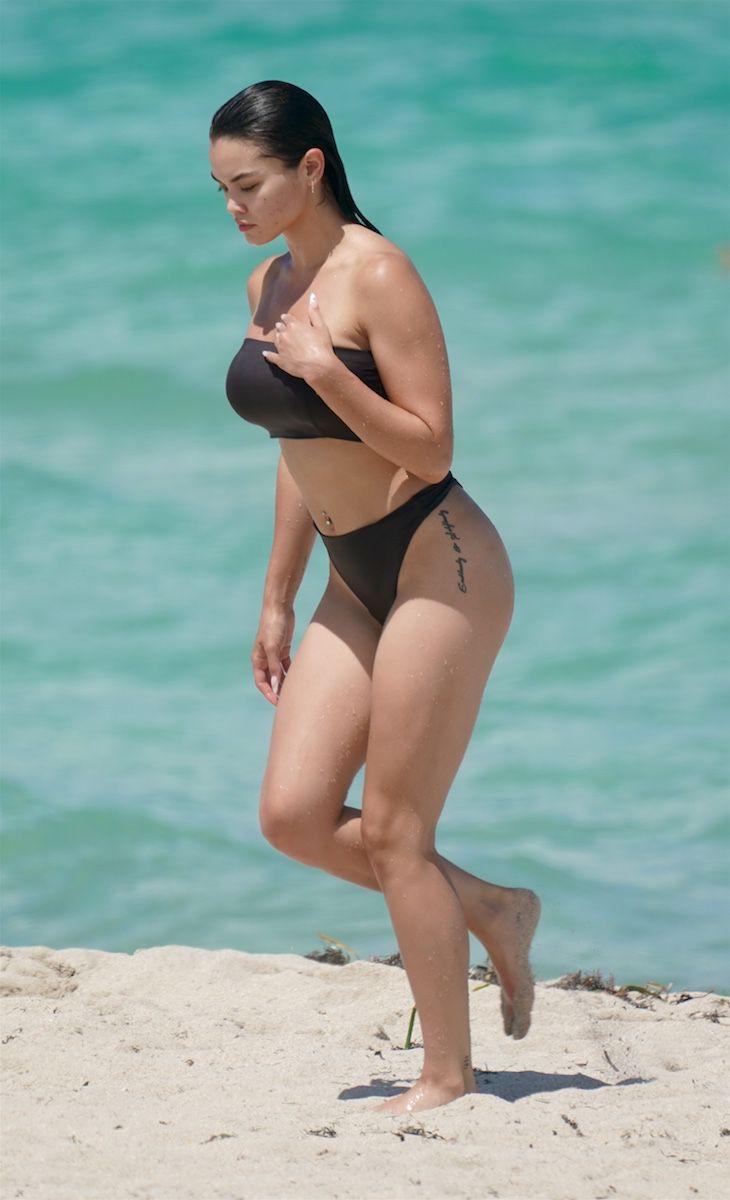 Paris Berelc Sexy In Bikini