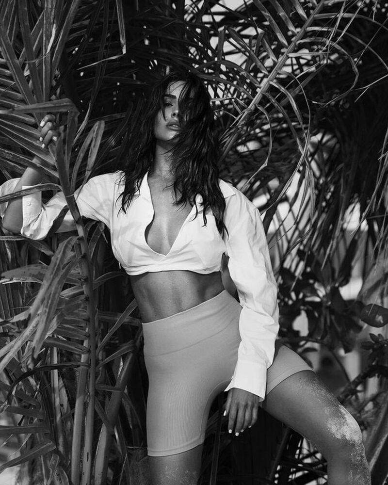 Olivia Culpo Sexy Bikini Photos