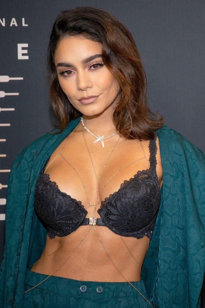 Vanessa Hudgens Beautiful Boobs In Bra