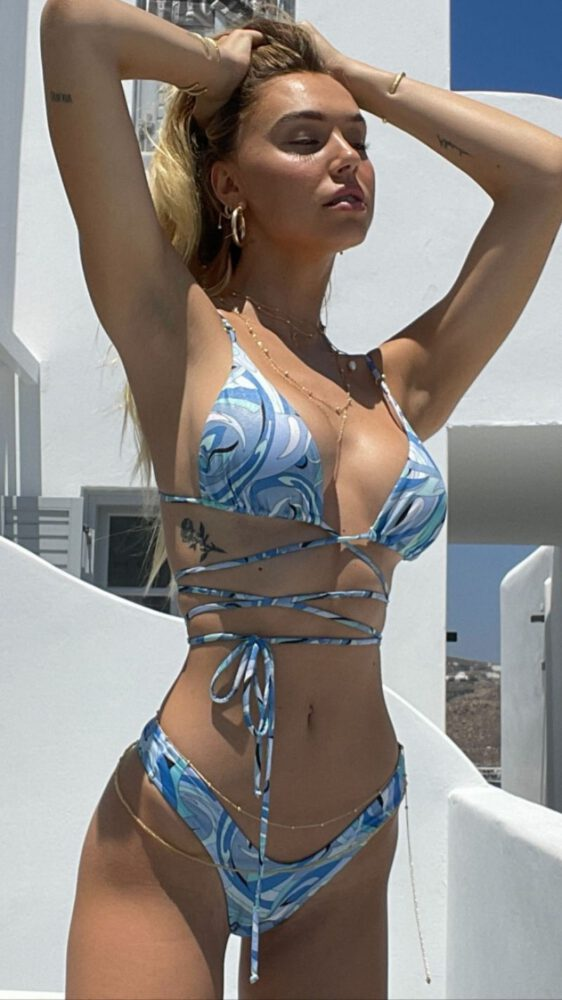 Alexis Ren Beautiful In Bikini