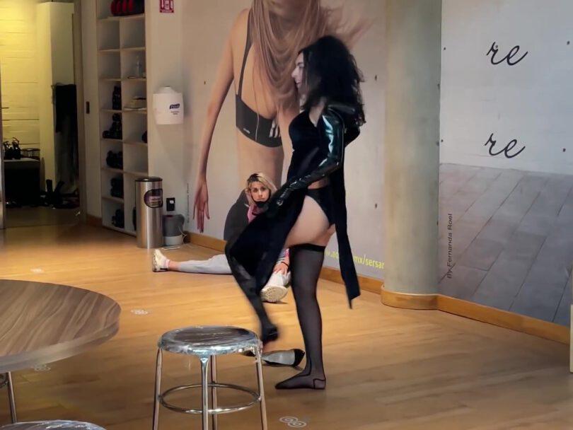 Charli Xcx Gorgeous In Black Lingerie