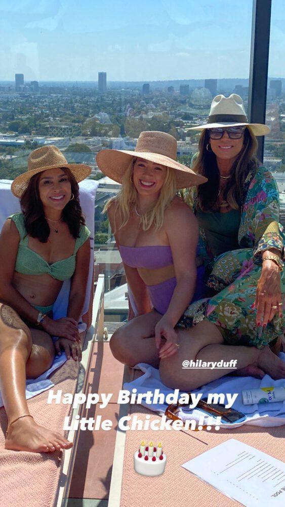 Hilary Duff Boobs In Bikini