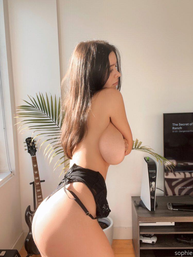 Sophie Mudd Big Topless Tits