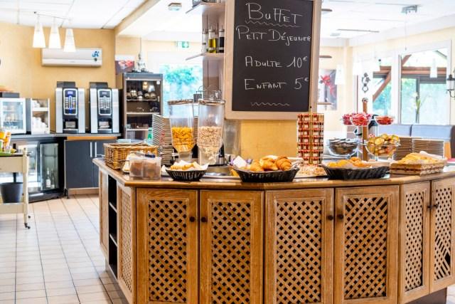 Hôtel Bagatelle Goussainville - Salle petit-déjeuner