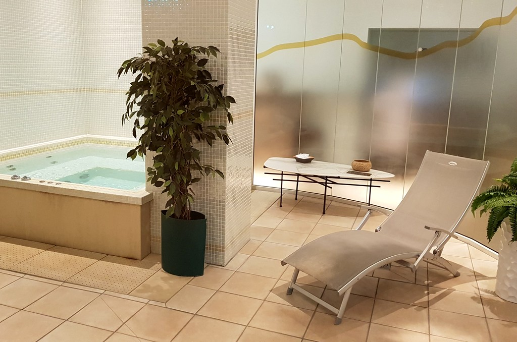 Jaccusi privatif hôtel Saint-Nectaire