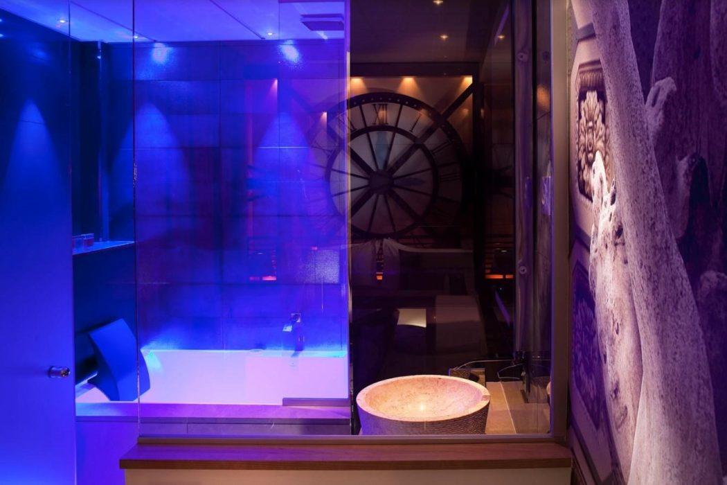 Top 10 Des Hotels Avec Jacuzzi Privatif Le Blog De Secret De Paris Hotel Spa
