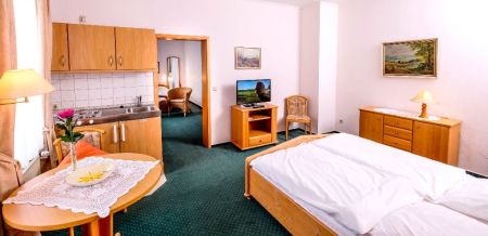 Ferienwohnung oder Familienzimmer mit extra Schlafzimmer