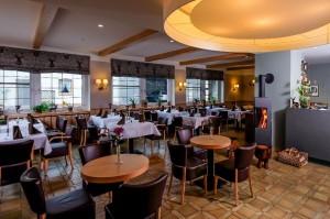 Stilvolles Restaurant liebevoll eingedeckt mit besten Zutaten vorwiegend aus der Region Harzer Hof