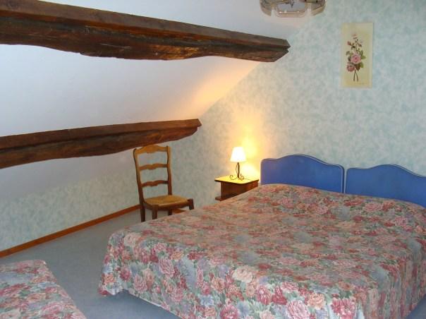 Chambre triple - Maisonnette du Puits de l'hôtel du Nord - Restaurant Saint-Georges