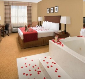 King room with a Whirlpool inside in Country Inn & Suites by Radisson, Houston Intercontinental Airport East, TX