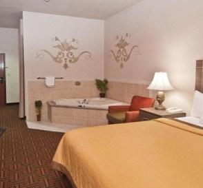 Hot Tub suite in Best Western PLUS Memorial Inn hotel, OKC