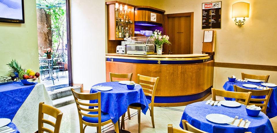 I Servizi La Terrazza E La Sala Colazione Dell Hotel Amadeus