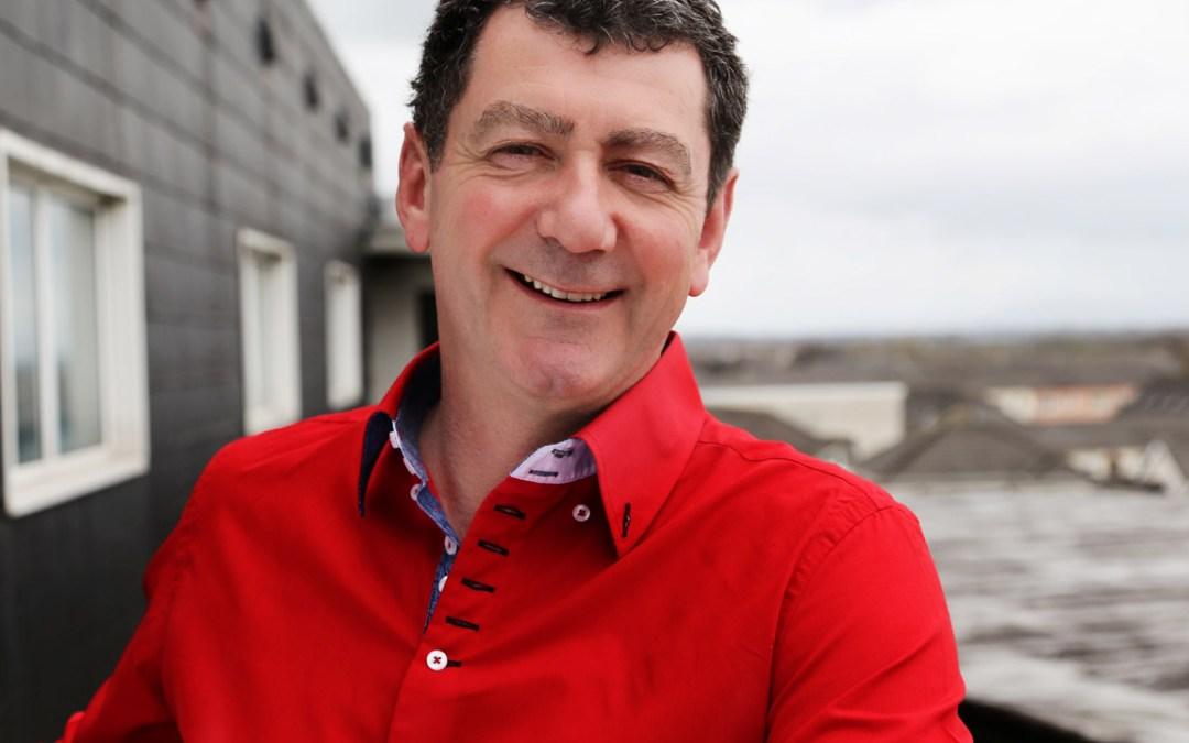 Blue Book Sponsors Lorcan Murray's Classic Drive on RTÉ'S Lyric FM