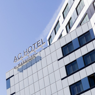 Trovalia   AC Hotel by Marriott Paris Porte Maillot AC Hotel by Marriott Paris Porte Maillot   Lodgings in Arr17 Arc de  Triomphe