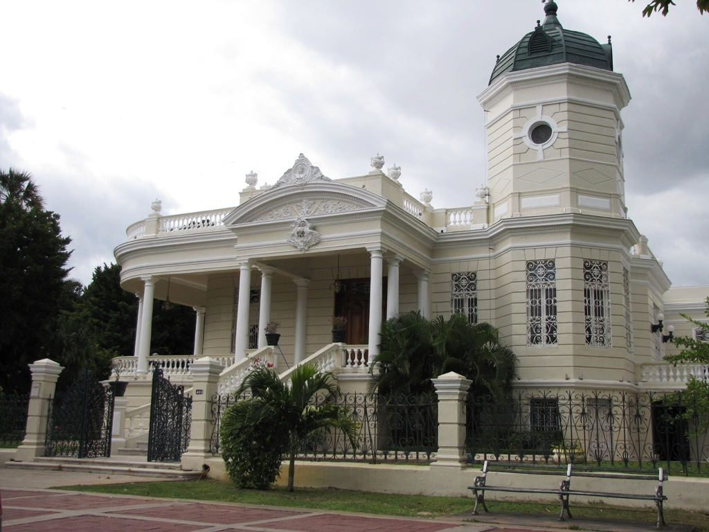 https://i1.wp.com/www.hotelelianoemi.com/prueba/wp-content/gallery/paseo-de-montejo/paseomontejo4_quintamontesmolina.jpg
