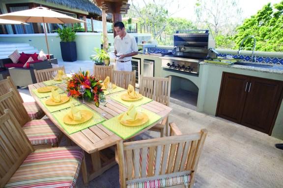 Outdoor dinning Area