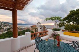hoteles-boutique-de-mexico-hotel-luna-liquida-puerto-vallarta-terazza-brindis-2