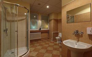 Pokoje bez łazienek z kompleksem sanitarnym
