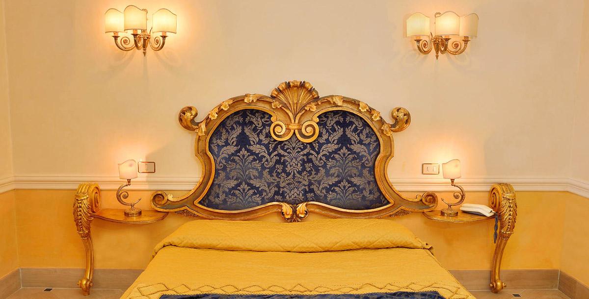 Le camere da letto moderne prezzi outlet da noi disponibili, sono caratterizzate da un design lineare e semplice, ma di grande effetto. Camere Dormire A Giardini Naxos Hotel Hellenia Yachting