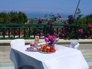 La terrazza del ristorante per pranzi e cene all'aperto