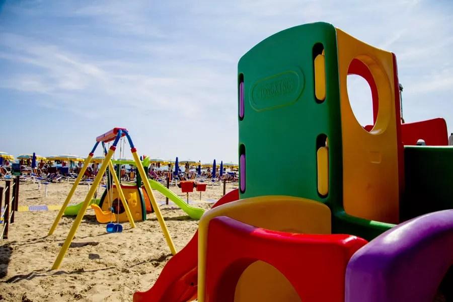 Area giochi per bimbi in spiaggia