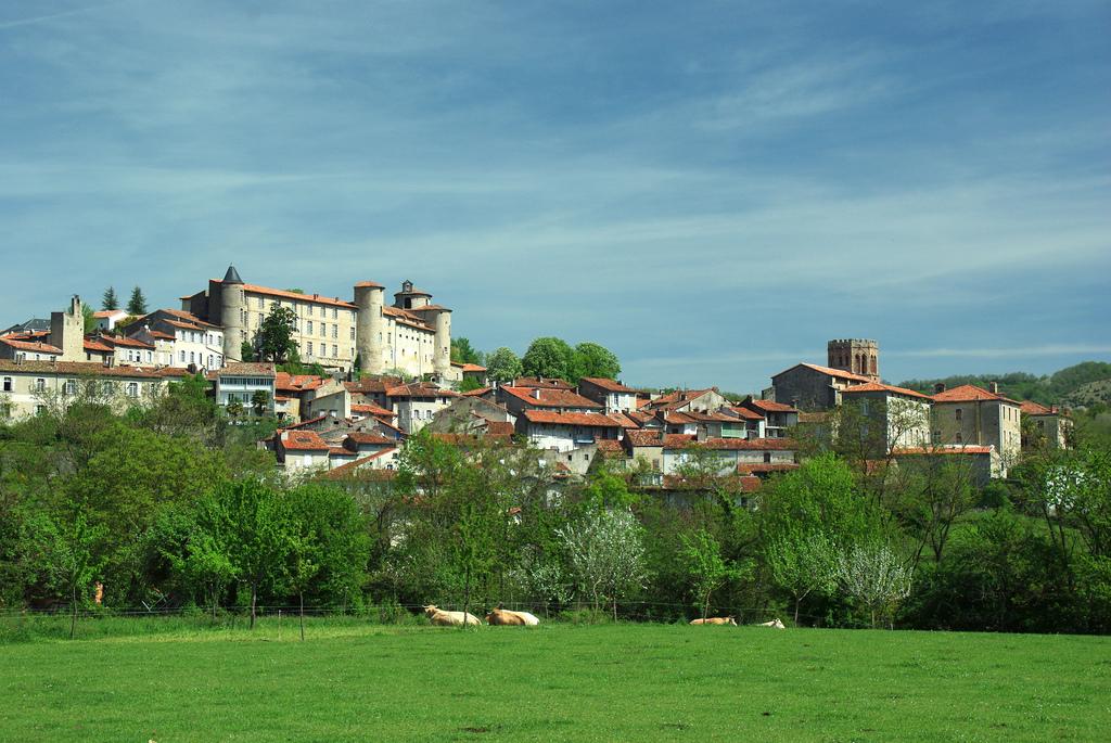 Cité-de-St-Lizier_Décor Ariège_Hôtel Le Valier, St Girons, Ariège