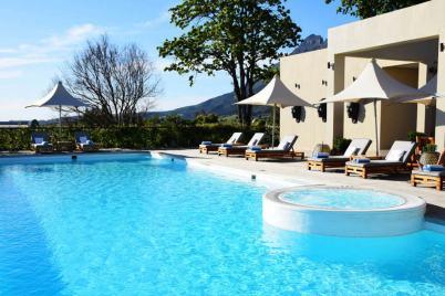 piscina do delaire graff lodge and spa com jacuzzi