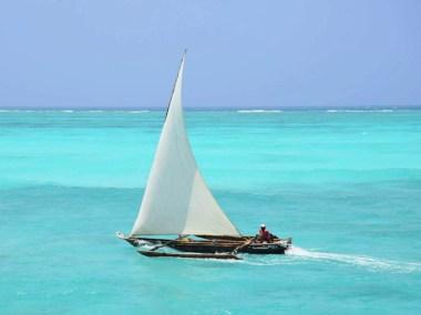 barcos-tipicos-dhow-hotelnews_traveller