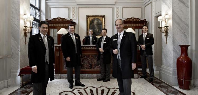 time de concierges do Sacher