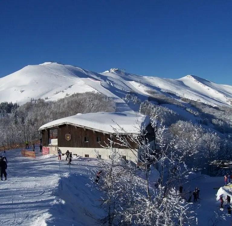 Monte_Gomito_e_rifugio_della_Selletta