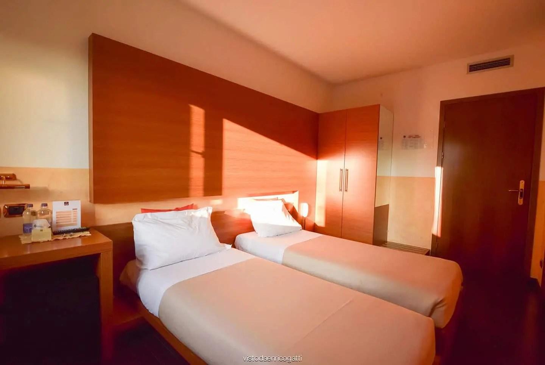 Sceglierai diversi composizioni di camere da letto a prezzi accessibili nei. Camera Doppia Letti Singoli Hotel Quo Vadis Udine