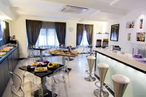 Golden hotel, tre stelle nel centro di Napoli