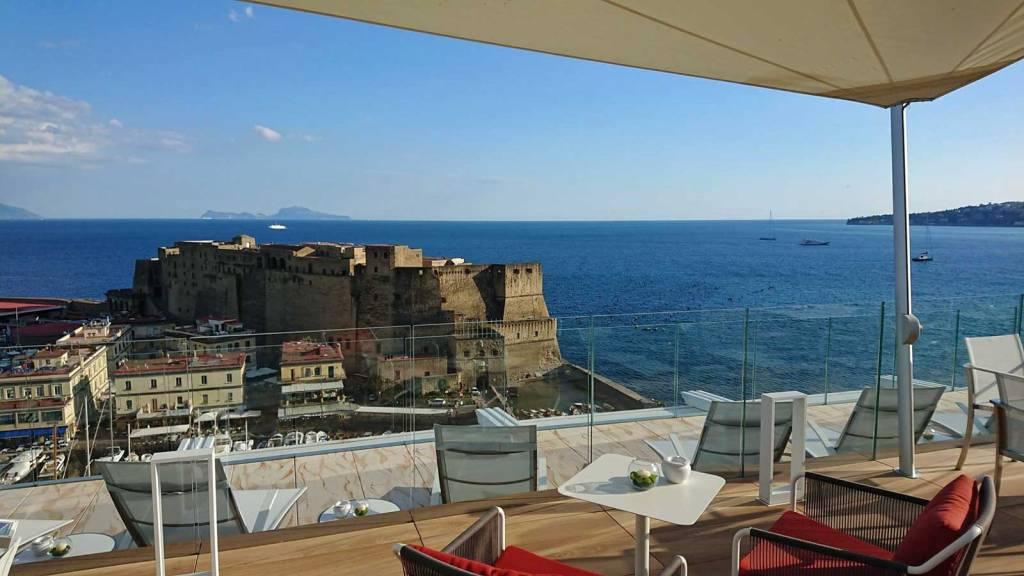 Grand Hotel Vesuvio, hotel di lusso a Napoli con vista panoramica