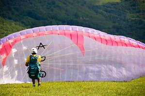 Paracaidismo en pirineo Aragonés | Hotel Casa Chuldian