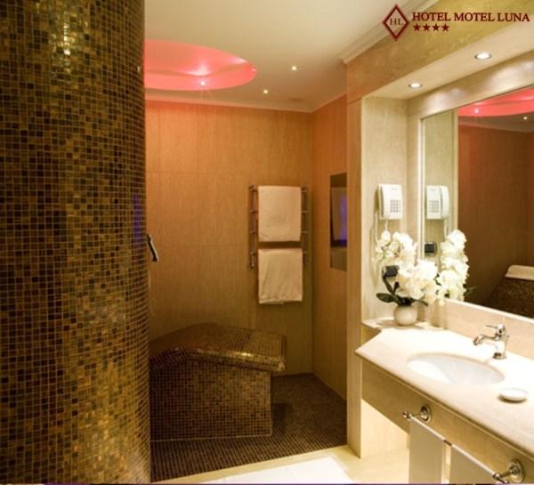 Doccia con Chaise Longue- camera suite - Hotel Motel Aeroporto Linate
