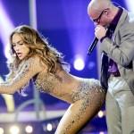 Jennifer Lopez en Pitbull tijdens American Idol finale