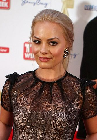 Margot Robbie Age Height Weight Measurements