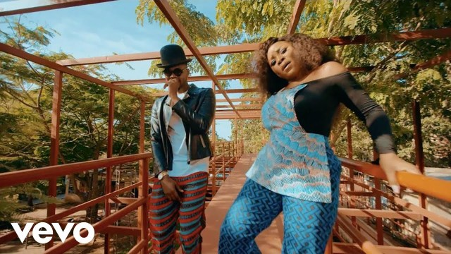 VIDEO Omawumi ft Kizz Daniel - Me Ke