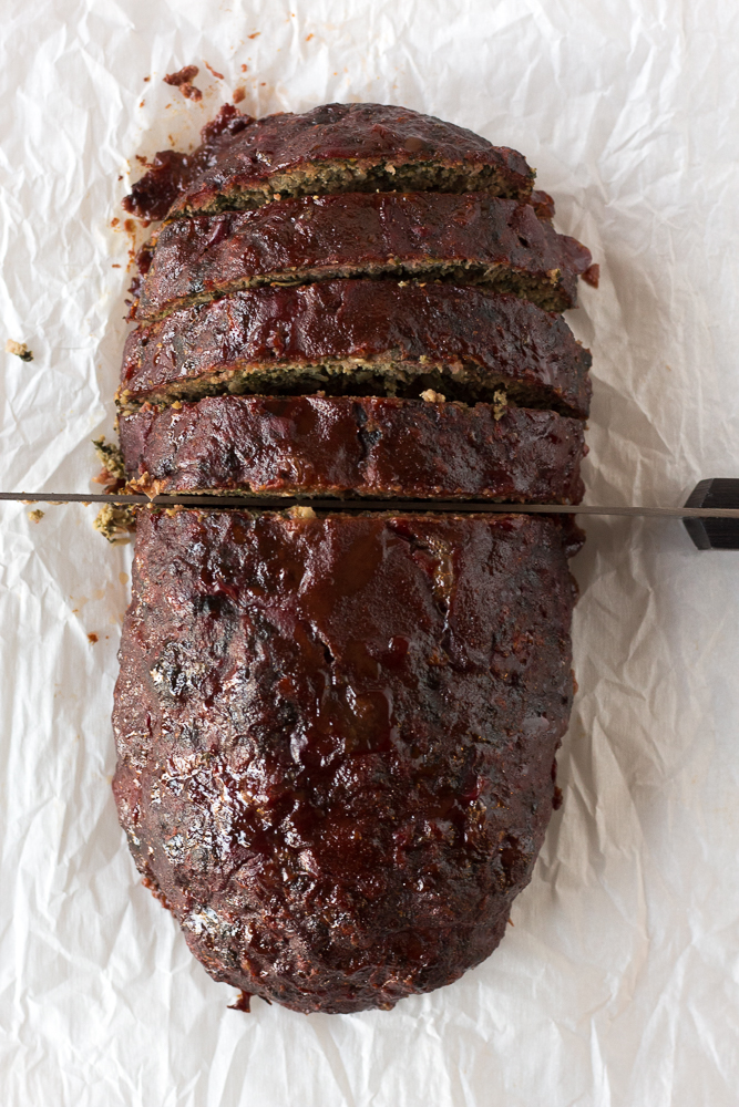 top down view of slicing smoked meatloaf