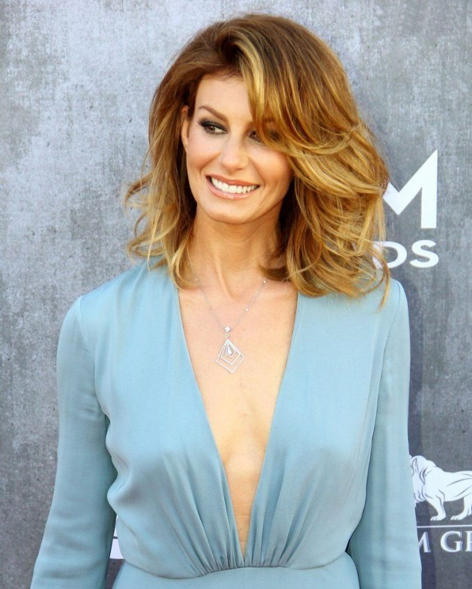 15 hairstyles for women over 50 with round faces - haircuts